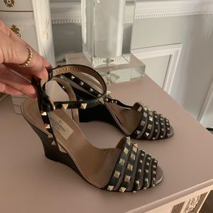 Valentino real studded wedges